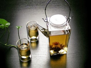 Square Teapot plus Glasses