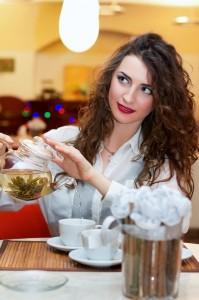 girl_pouring_tea